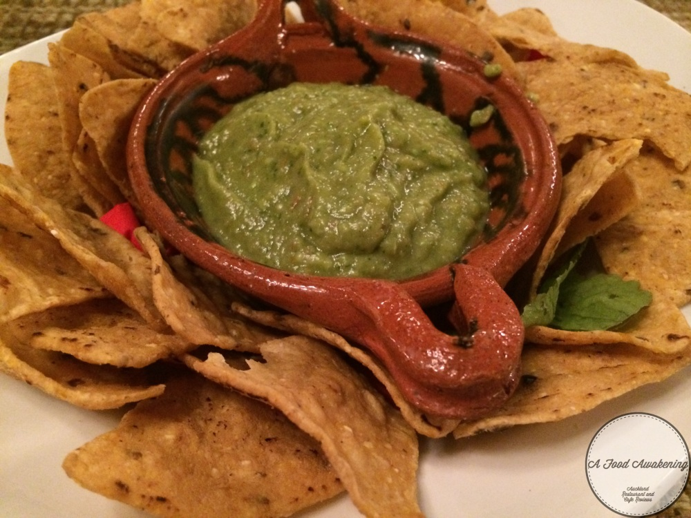 Guacamole w/corn chips