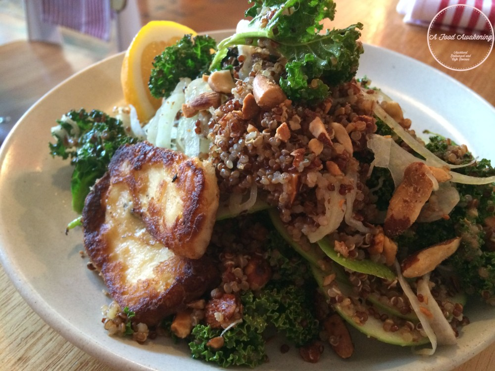 Sauteed kale, fennel, quinoa, apple, halloumi w smoked almonds Salad