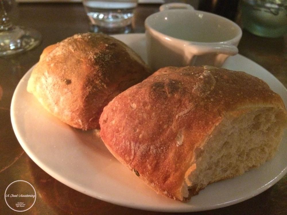 Complimentary Bread w/oil