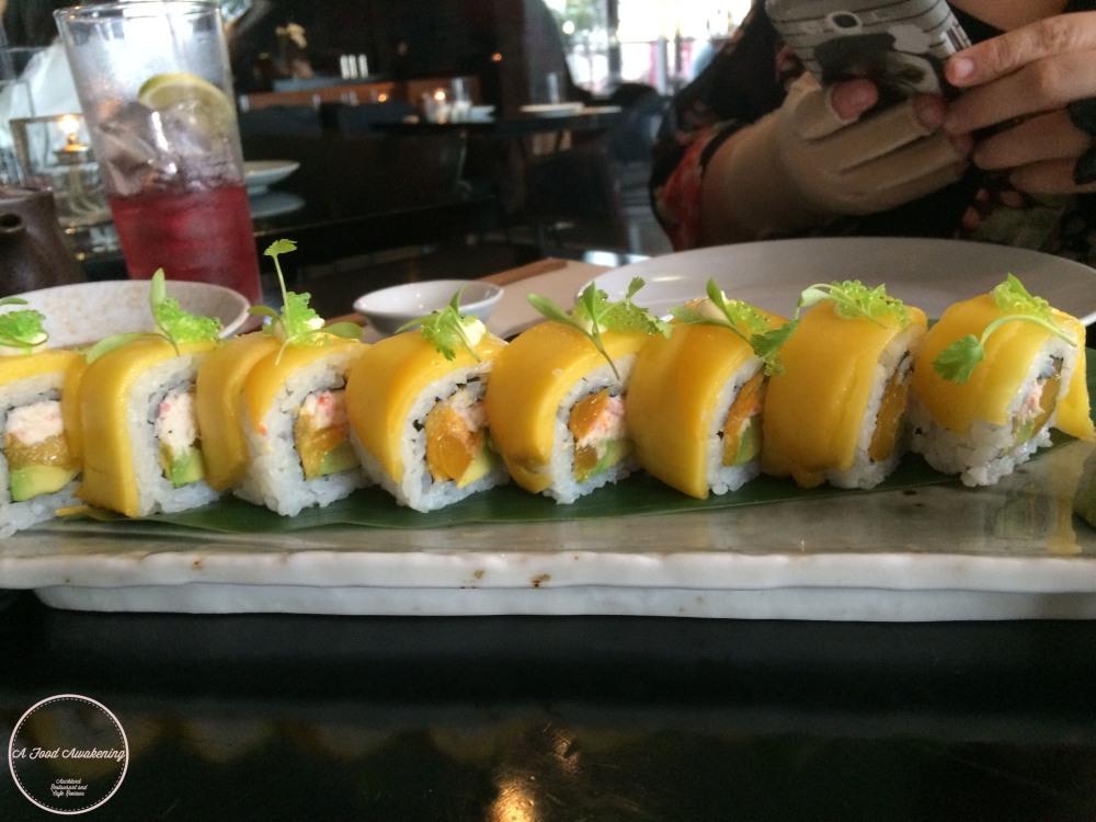 Crab & Mango Roll