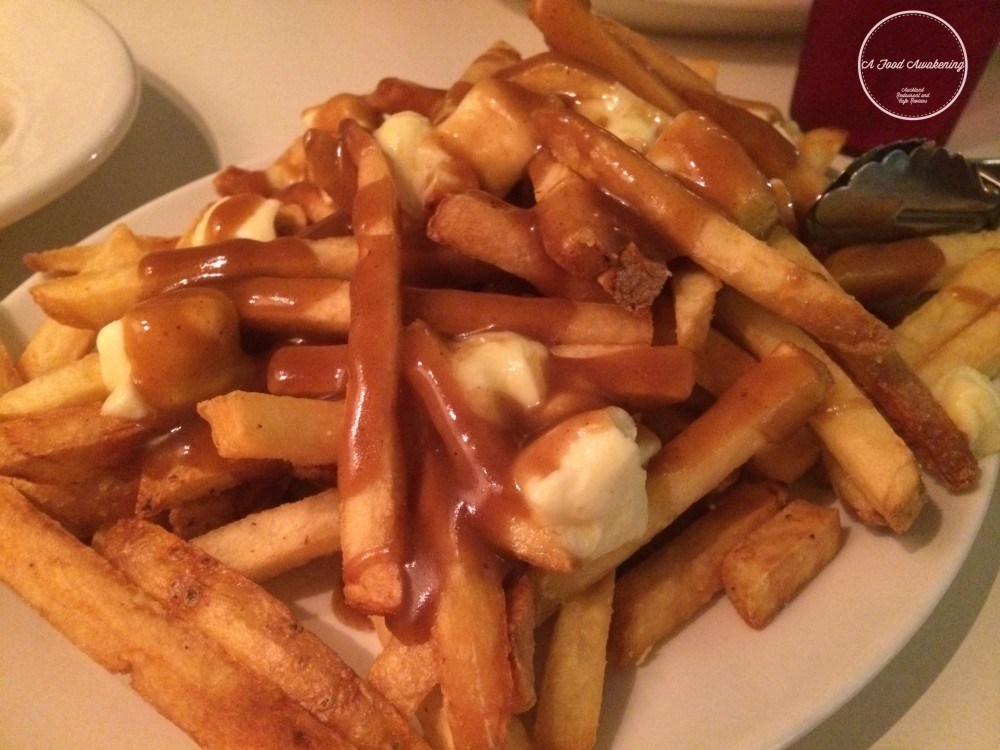 Fries w/cheese curd and gravy - large