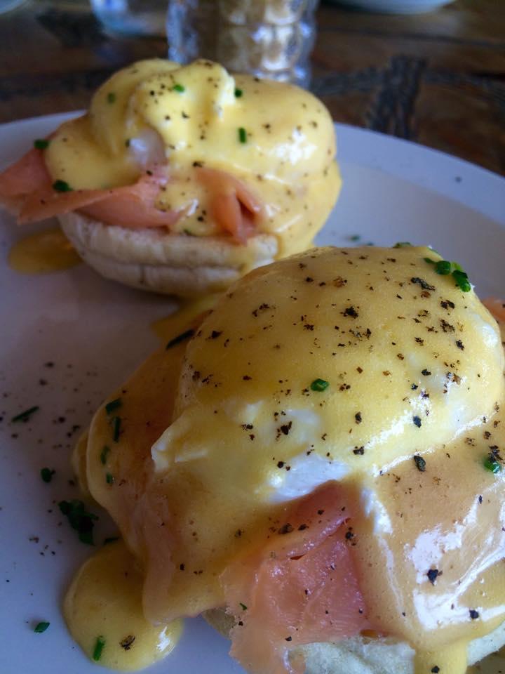 Eggs Bene w/ Smoked Salmon