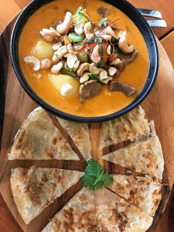 Red Curry w Roti